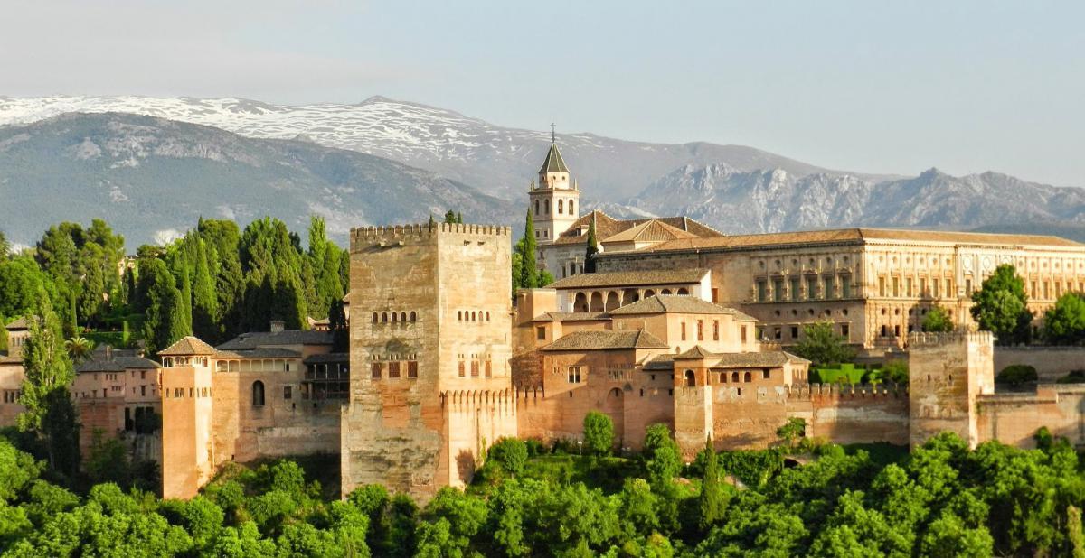 ¿Dónde puedo aparcar gratis en Granada?