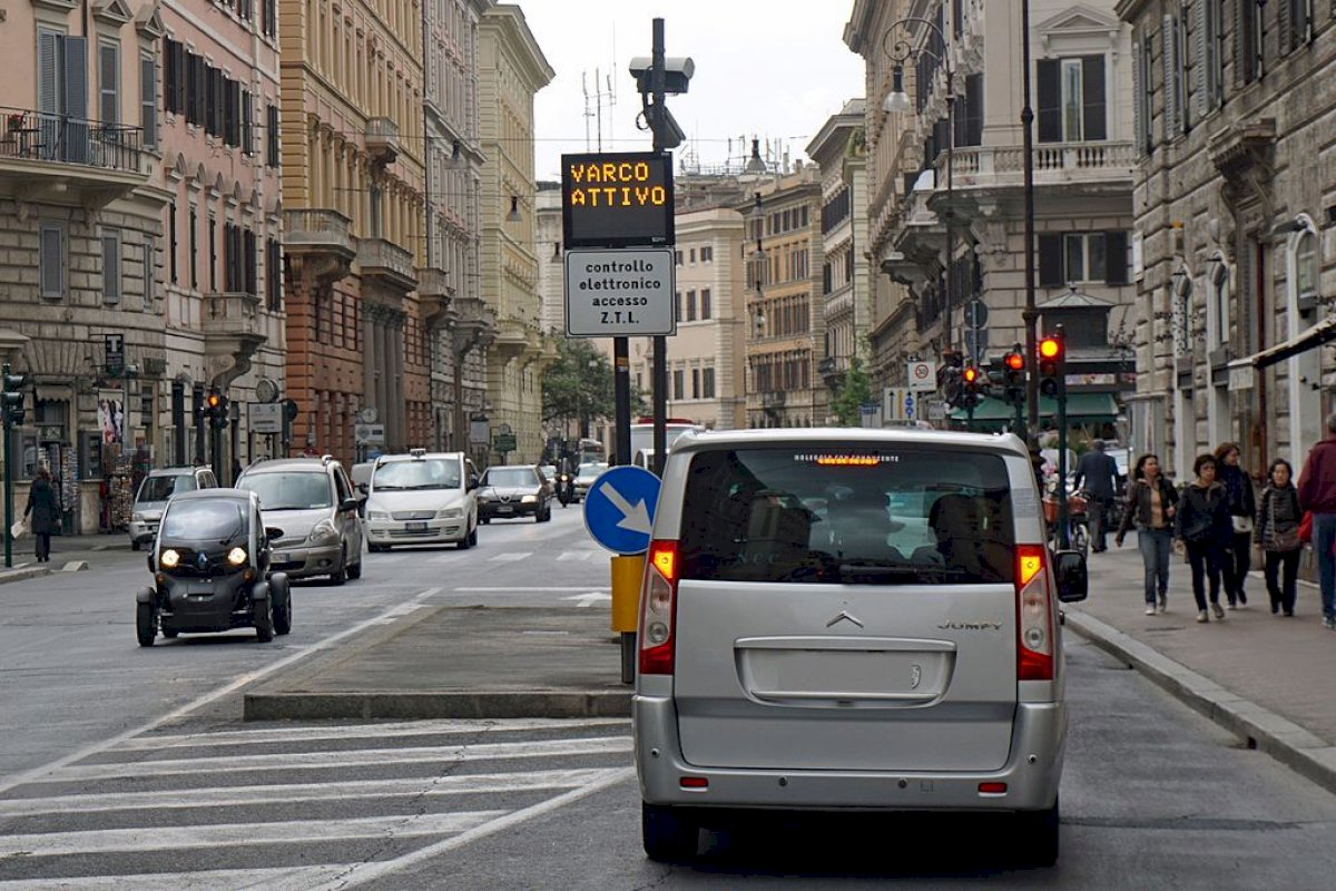 Bologna's Limited Traffic Zone (updated 2020)