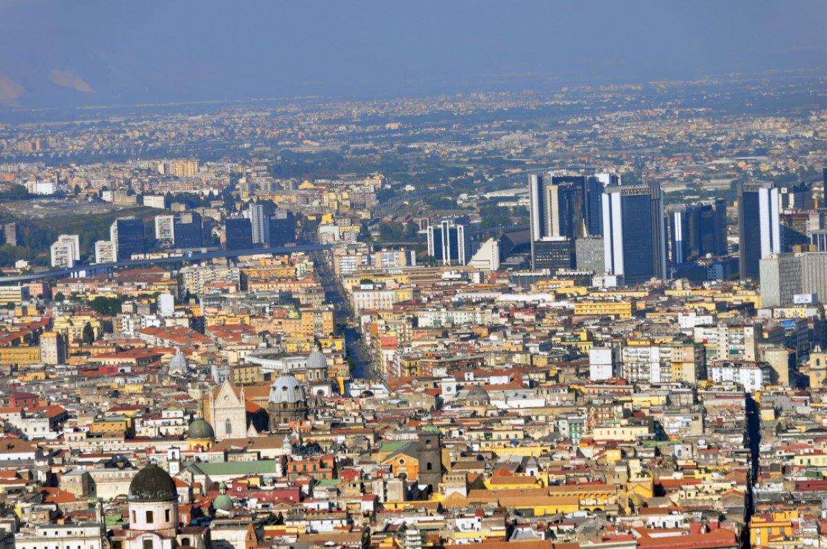 Il centro di Napoli è una zona a traffico limitato