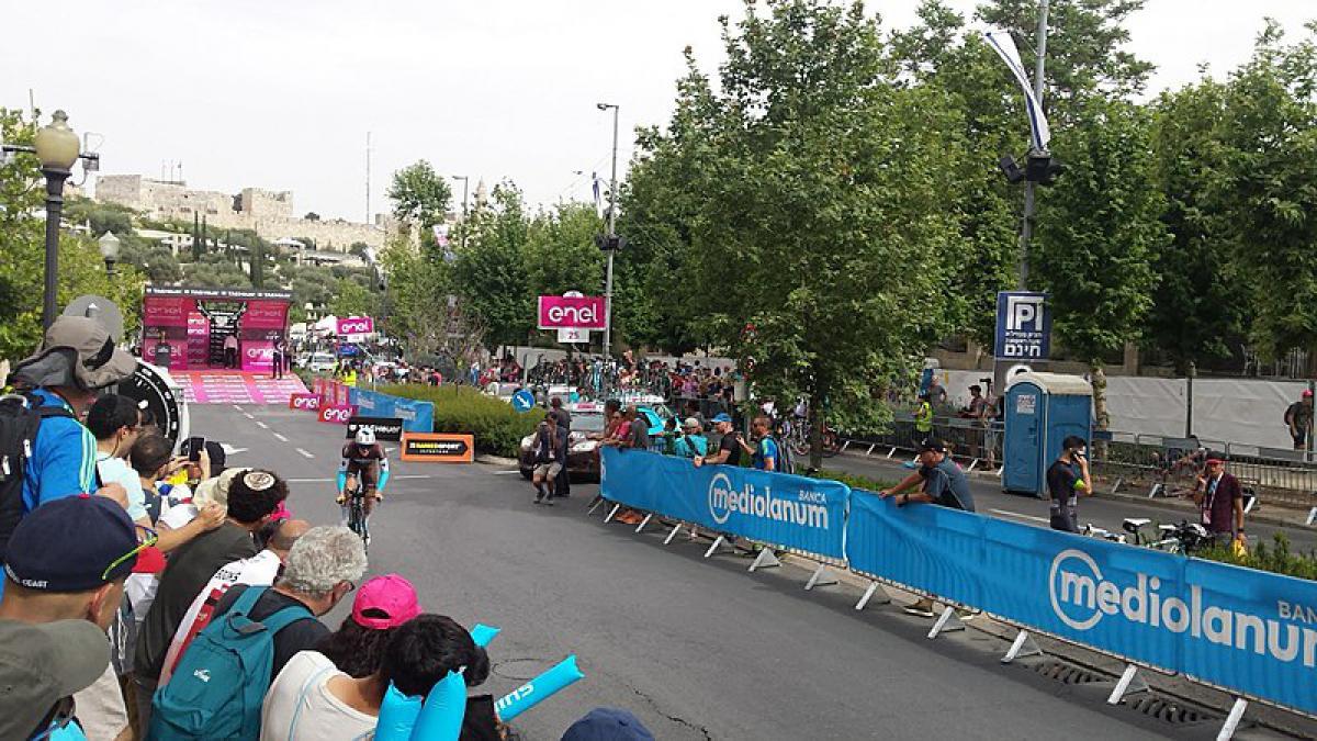 Il Giro d'Italia è un evento seguito da milioni e milioni di persone, sportivi e non