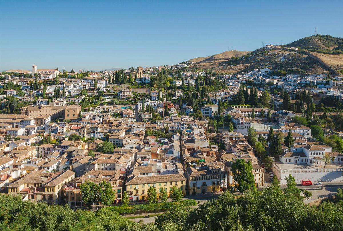 Más de tres millones de turistas visitaron Granada durante 2016
