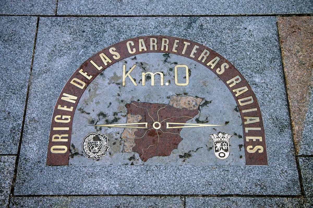 Lugares para descubrir madrid en coche for Kilometro 0 puerta del sol