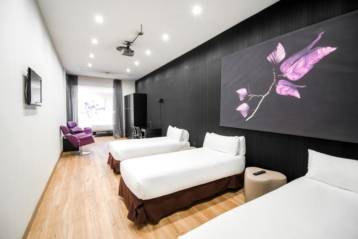 Hotel Petit Palace: camere per cinque