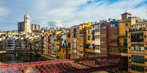 Dónde encontrar aparcamiento gratis en Girona
