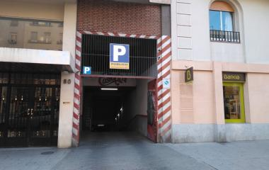 Reservar una plaza en el parking Narvaez 80