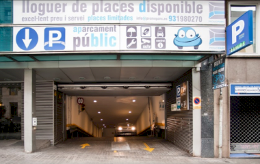 Book a parking spot in NH Sants car park
