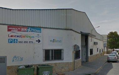 Забронируйте паркоместо на стоянке LowCostParking Cubierto  Aeropuerto Valencia - Shuttle