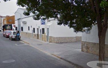 Prenota un posto nel parcheggio LowCostParking Descubierto  Aeropuerto Valencia - Shuttle
