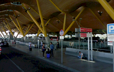 Book a parking spot in Barajas-T4 Exterior - Viparking car park