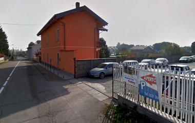 Book a parking spot in Low Cost Coperto - Malpensa Car Parking car park