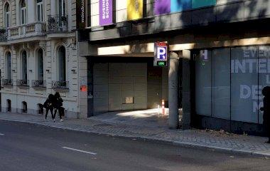 Prenota un posto nel parcheggio María de Molina - Velázquez