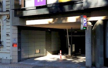 Reservar una plaça al parking María de Molina - Velázquez