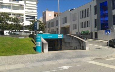 Reservar una plaza en el parking SABA Parque Renato Araújo