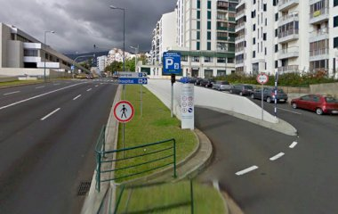 Prenota un posto nel parcheggio SABA Parque Hospital Cruz Carvalho