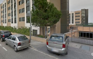 Prenota un posto nel parcheggio Compostela Suites 3 y 4