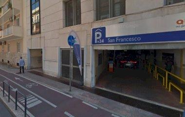 Reservar una plaça al parking Quick Porto San Francesco Bari - Exclusivo Cruceros