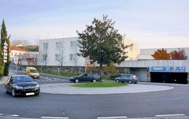 Reserve uma vaga de  estacionamento no Placegar Parque Museu Municipal de Penafiel