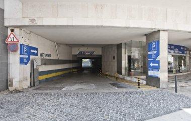 Buch einen Parkplatz im Placegar Parque Visconde Santarém Parkplatz.