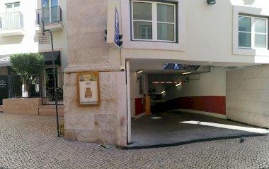 Reservar una plaza en el parking Parque Hotel The Lumiares