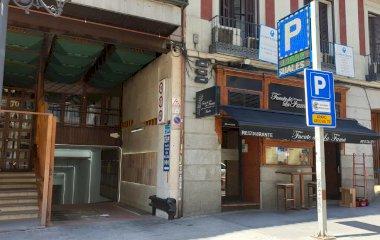 Prenota un posto nel parcheggio Atocha 70