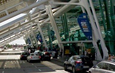 Reserveer een parkeerplek in parkeergarage Indoor Parking Low Cost - Valet Descoberto