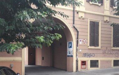 Buch einen Parkplatz im Parcheggio Pigneto Parkplatz.