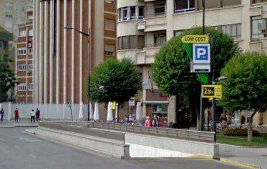Book en plads i APK2 Estación Albacete Los Llanos- Sembrador parkeringsplads