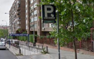 Reserve uma vaga de  estacionamento no Fernández Shaw