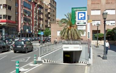 Buch einen Parkplatz im APK2 Aragón - Chile Parkplatz.