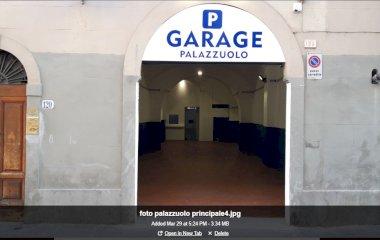 Prenota un posto nel parcheggio Garage Palazzuolo