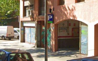Забронируйте паркоместо на стоянке Padrial - Estació del Nord