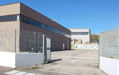 Prenota un posto nel parcheggio LogiPort d'Ossat - Shuttle Scoperto