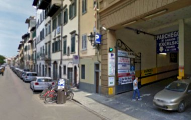 Reserve uma vaga de  estacionamento no Florence Parking New Excelsior