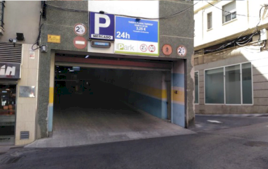 Book a parking spot in Centro - Mercado car park