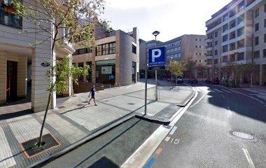Забронируйте паркоместо на стоянке Ondarreta
