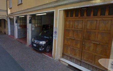 Prenota un posto nel parcheggio Autorimessa Garage degli  Angeli