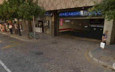 Book a parking spot in APK2 Aparcamiento Magdalena car park