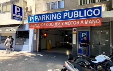 Book a parking spot in Sor Ángela de la Cruz car park