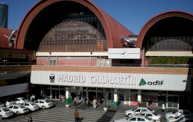 Buch einen Parkplatz im A.Park Estación de Chamartín - Valet Parkplatz.