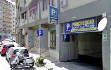 Book a parking spot in Gravina car park