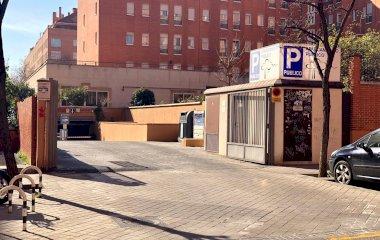 Book a parking spot in Los Nogales Pacífico car park