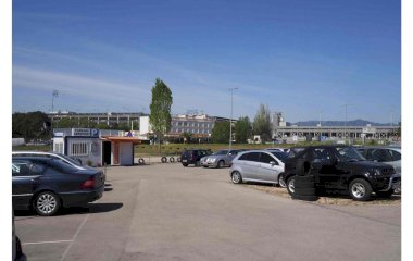 Book a parking spot in Parking Aparkivoli Aeropuerto Girona - Costa Brava (Cubierto) car park