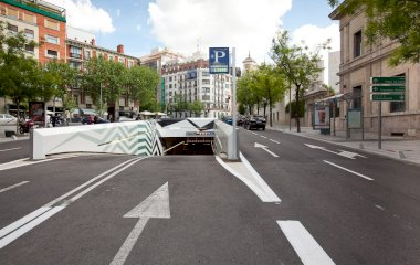 Book a parking spot in Serrano Juan Bravo car park