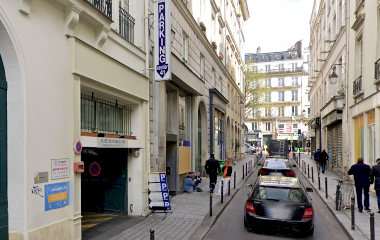 Book a parking spot in 41 Rue du Sentier car park