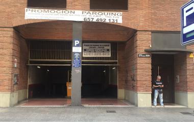 Reserve uma vaga de  estacionamento no Rasina House - Dos de Maig