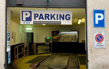 Reservar una plaça al parking ParkingCar Silvio Pellico