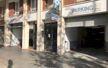 Book a parking spot in Riera Blanca car park