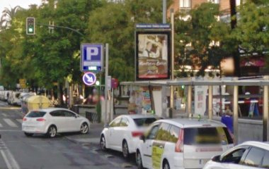 Book a parking spot in Paseo de la Victoria car park