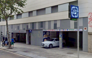 Parking at Barcelona Sants station Numancia - AVE