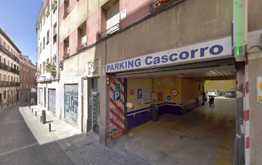 Book a parking spot in Rastro - Cascorro car park